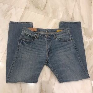32/30 Gap 1969 straight leg men's denim lightwash